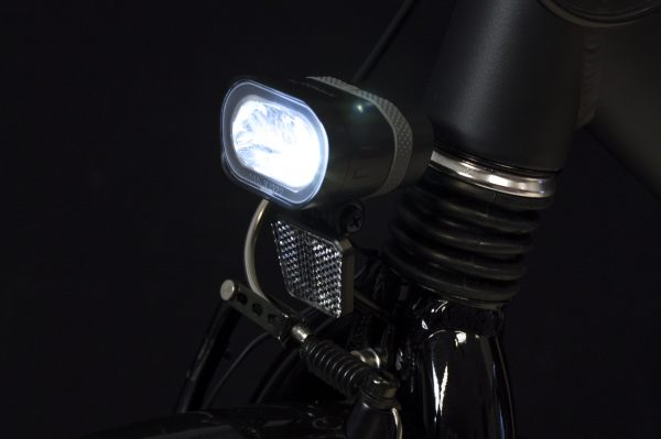 Axendo 40 headlamp on front fork