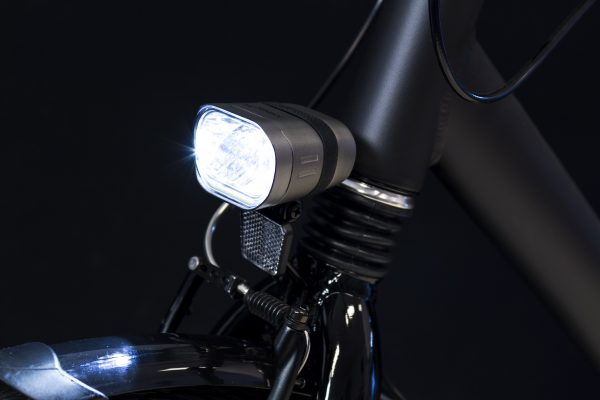 Axendo 60 Xdas headlamp on front fork