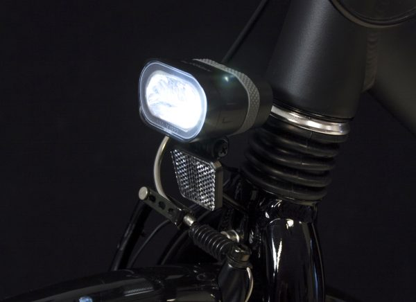 Axendo 40 headlamp on front fork with Br 195 bracket