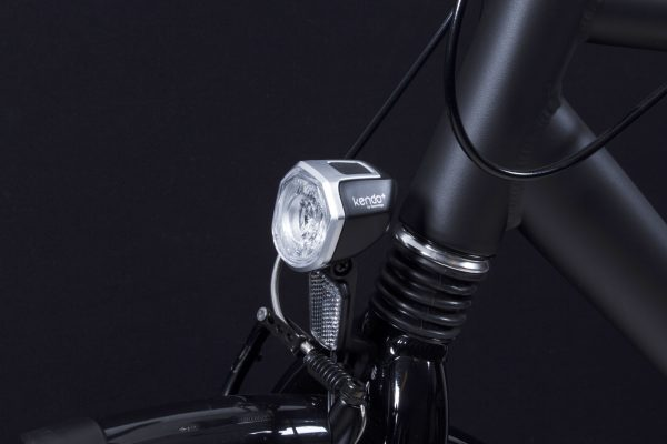 Kendo+ headlamp on front fork with Bh 06 bracket close up