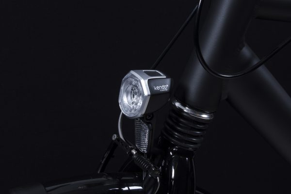 Kendo+ headlamp silver on front fork