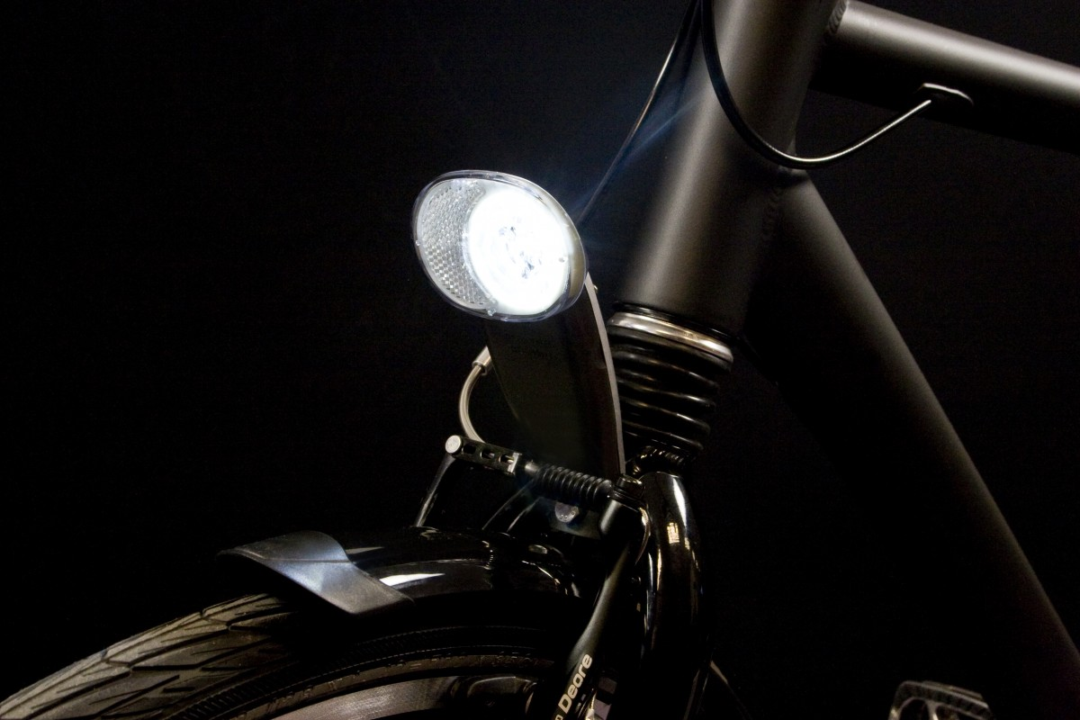 Luceo headlamp on front fork