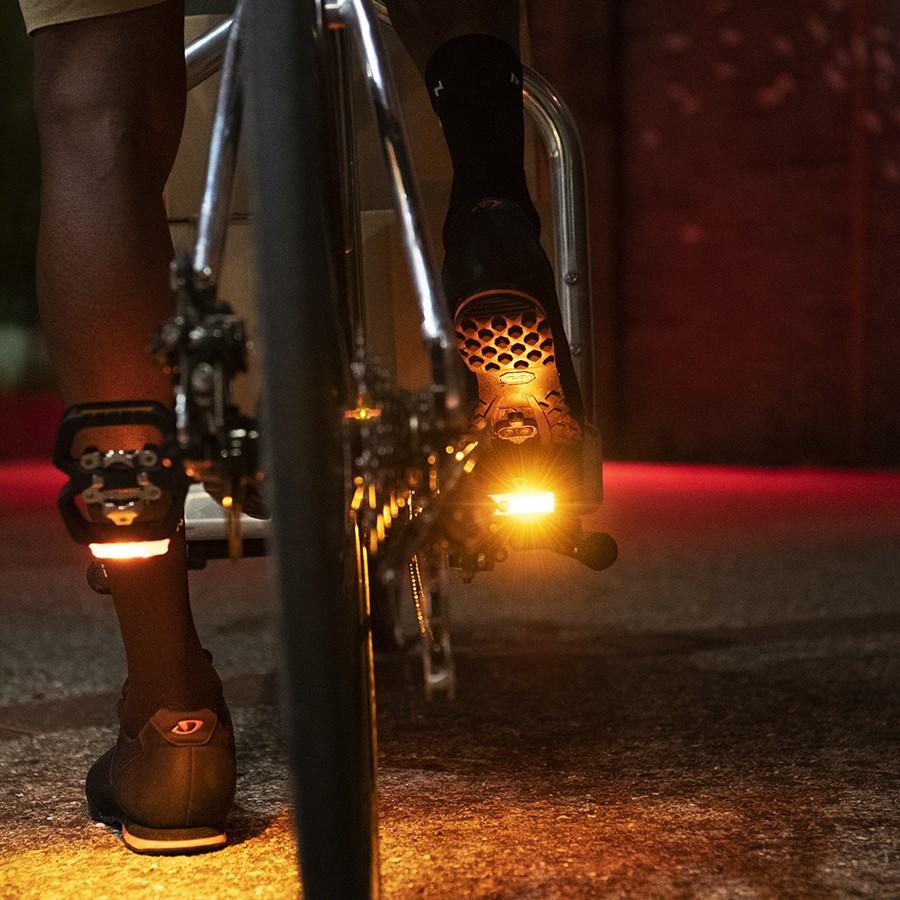 Spanninga Fahrradbeleuchtung Spanninga x Look: Die neu Geo–Trekking Pedale mit den VISION integrierten Leuchten vorgestellt Non classé