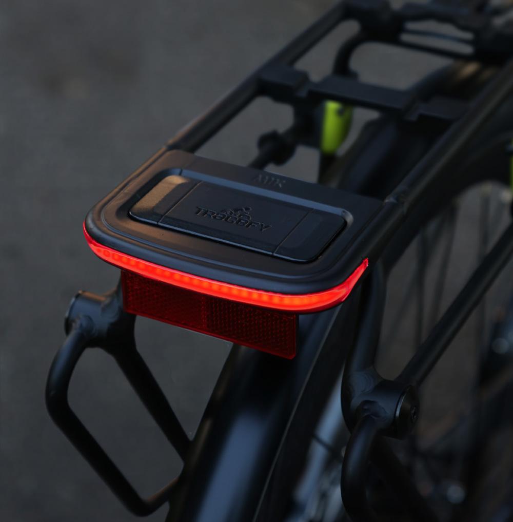 Basil Commuter Carrier on bike 2