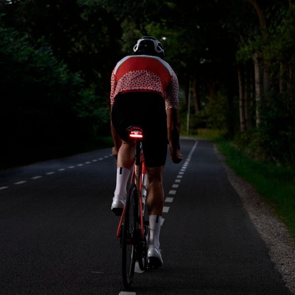 Spanninga Bicycle Lights SPANNINGA integrates rearlight in COVERMYBACK2+ Non classé