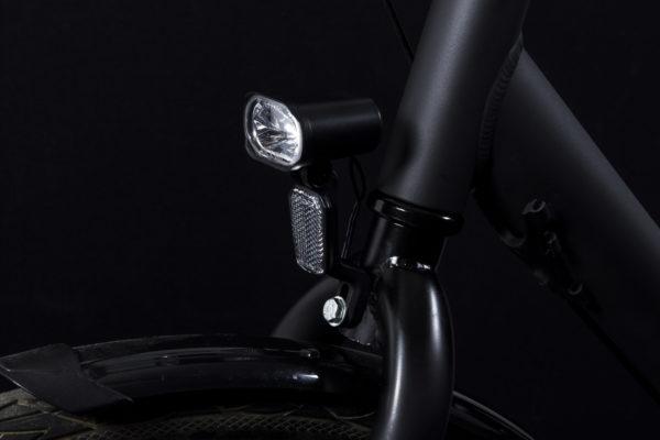 Axendo 30 e-bike headlamp with BH06 bracket on bicycle off