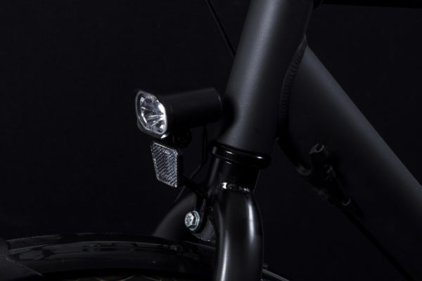 Axendo 30 e-bike headlamp on bicycle off